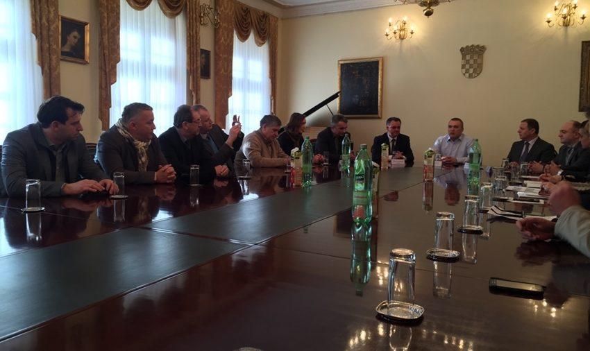 """Predstavnici Obrtničke komore Varaždinske županije sudjelovali na manifestaciji  """"Zeleno-plavo"""" u Požegi"""