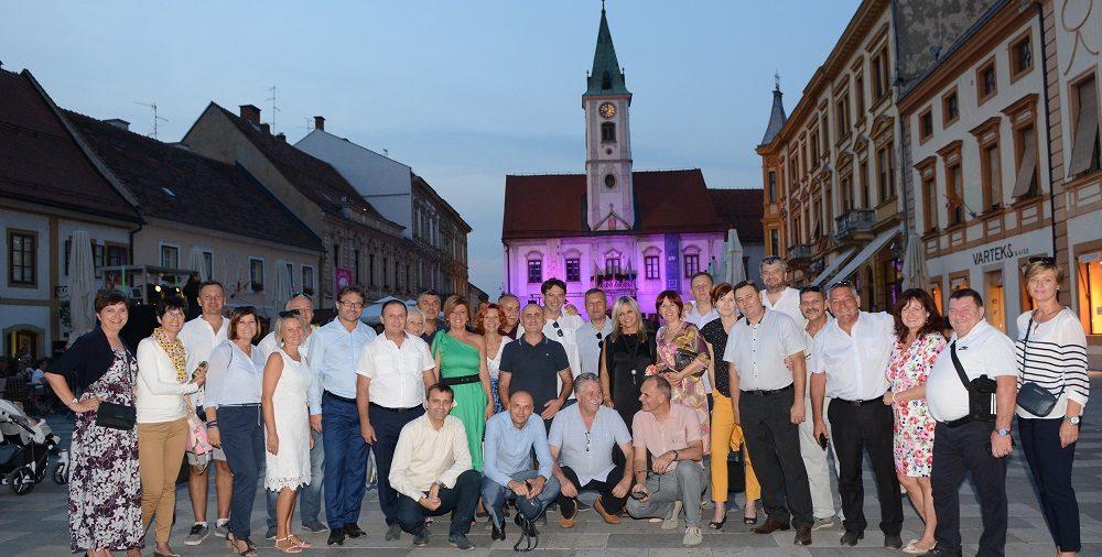 Hrvatska gospodarska elita na poziv OKVŽspojila ugodno s korisnim: radni sastanak i šetnju Špancirfestom