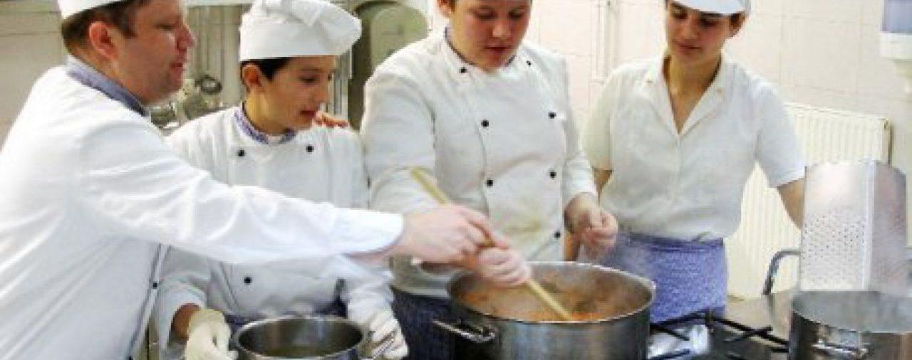 OKVŽ -  jedina strukovna Komora u Hrvatskoj  s kojom će Ministarstvo turizma sufinancirati stipendije budućih konobara i kuhara